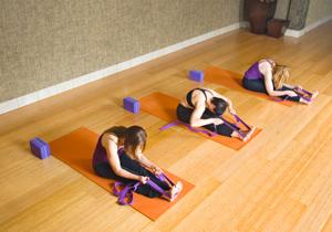 yoga class etiquette