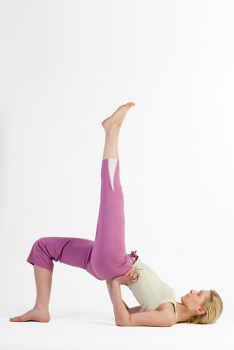 how to do onelegged bridge pose in yoga